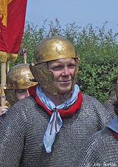 A day out at - Viroconium 010 (Row 17) Tags: england englishheritage shropshire viroconium wroxeter historicsite historic heritagesite heritage event reenactment reenactor reenactors roman people man men candid portrait olympus