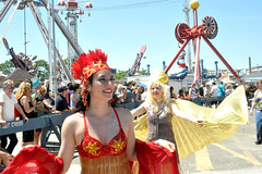 crown (greenelent) Tags: mermaidparade coneyisland coneyislandmermaidparade parade mermaid people streets festival brooklyn nyc 365 photoaday