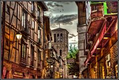 Paseando por la calle de Santo Tomé (Toledo) (Jose Roldan Garcia) Tags: toledo toledano historia atardecer arquitectura colores cielo calles urbana luz imperial iglesias mezquita tomé