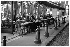Paris (~ veronicajwilliams photography ~) Tags: europe canon canon5dmarkii canon2470mm canon2470mmf28l canoneurope paris pariscity cafe pariscafe blackandwhite bw monochrome streetphotography street people dining diners food eating drinking peoplewatching sidewalk