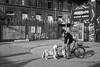 (Paysage du temps) Tags: 2018 20180527 allemagne berlin film germanydeutschland hp5 ilford leicam6 zeissplanar80mm homme man mensch chien dog dialogue velo bicycle friche raw friedrichshain