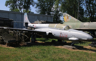 PZL-WSK Mielec TS-11 Iskra-bis B Polish Air Force 209