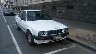1990 BMW (E30) 318i Sedan