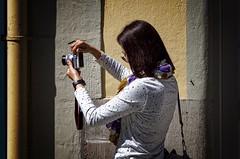 The Japanese Girl (picsessionphotoarts) Tags: bayern bavaria deutschland germany franken franconia frankenhöhe frankoniaheights rothenburgobdertauber nikkorafs28300mm portrait porträt nikon d750 nikonphotography nikonfotografie nikond750 nikonafs28300mm rothenburgodtauber tourists japanese streetphotography