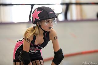 Tilted Thunder Peeps vs. L.A. Derby Dolls' Junior Ri-Ettes
