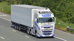 162-KE-2260 (panmanstan) Tags: volvo fh wagon truck lorry commercial international irish refrigerated freight transport haulage vehicle m6 motorway highlegh cheshire
