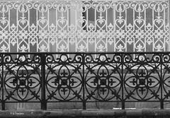 Barandas. Handrails. (Esetoscano) Tags: barandillas handrails balcón balcony hierro iron bw bn byn monocromo monochrome cidadevella oldtown acoruña galiza galicia españa spain