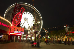 Skywheel (onepassenger) Tags: ricoh pentax k3ii sigma 1750mm f28 southern ontario niagara falls vacation night strip downtown long exposure skywheel ferris wheel
