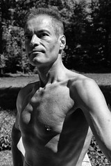 weekend-en-allemagne_28257738278_o (Eric Cocoloco) Tags: photoshooting photographer malemodel torsenu sexyman outdoor parc bareupperbody
