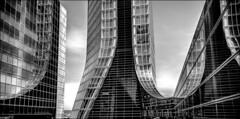 La tour interdite... / Forbidden tower... (vedebe) Tags: noiretblanc netb nb bw monochrome tour marseille cmacgm port ports architecture reflexion reflection reflets reflections maritime transportsmaritimes transportmaritime