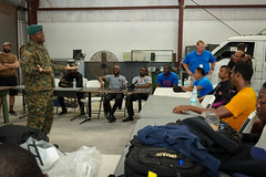 EX TRADEWINDS 2018 (Ti-Blank) Tags: diver exercise extradewinds18 homme hommes indoors intérieur man men multinational plongeur port royalcanadiannavy sunny tradewinds nassau bahamas bs