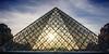 Paris - Le Louvre - (Noir et Blanc 19) Tags: paris lelouvre pyramide coucherdesoleil sony a77