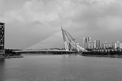 Walkabout - Seri Wawasan, Putrajaya, Kuala Lumpur (sydbad) Tags: walkaboutseriwawasanputrajaya kualalumpur fujifilm x100f jpeg acros film simulation