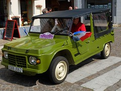CITROEN Mehari verte (patriotique !) (xavnco2) Tags: surlaroutedesvacances 2018 balade véhicules anciens old classic vehicles rally liévinberck french cars hesdin pasdecalais france citroën autos automobile car méhari verte green