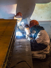 Welders (Mickoo737) Tags: china pudong shanghaiportmachinery