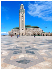 Splendour (Gurugo) Tags: casablanca morocco marrocos maroc hassaniimosque mesquitadehassanii mosquéédehassanii mosque mosquéé mesquita minaret minarete chão floor mosaic mosaico tower torre