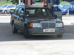 Mercedes-Benz 230 TE (Andrew 2.8i) Tags: car spotting carspotting street spot w124 german wagon estate 230te te 230 mercedesbenz