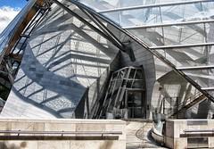 gesloten (roberke) Tags: architecture architectuur modern door deur reflections reflecties sunlight zonlicht lines lijnenspel schaduw gebouw museum parijs