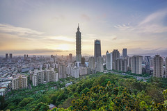 Taipei city (aelx911) Tags: a7rii a7r2 sony carlzeiss fe1635mm 1635mm landscape cityscape city taiwan taipei urban sunset night light 台灣 台北 象山 101