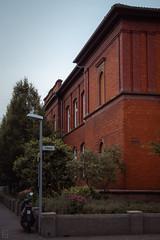 Schillerschule (ericgöbel) Tags: school dreieich germany bricks ziegel klinker natur gebüsch schule sprendlingen gründerzeit klassisch architektur architecture
