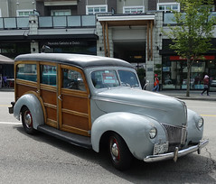 1940 Ford V8 Woodie Wagon (D70) Tags: sony dscrx100m5 ƒ56 88mm 1320 125 britishcolumbia canada builtin burnaby 1939 hatsoffday june2nd 2018 number118 pro peter laurence 1940 ford v8 woody wagon woodie