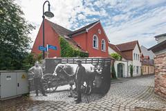 Peitz, Fam. Knaut, um 1930 und 2018 (FKnorr) Tags: gebäude haus knaut lutherplatz mauerstrase peitz brandenburg deutschland de ochse ochsenkarren karren wagen fuhrwerk