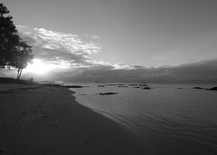 --- (mo pena nom) Tags: mauritus nikon d810 tokina1628fx sunset sea beach sky sand water atmosphere clouds coin de mire ginners ocean