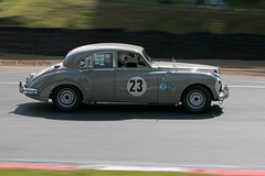 HRDC Jaguar Mk VII ({House} Photography) Tags: hrdc touring greats allstars 1960 pre classic car automotive race motor sport motorsport brands hatch uk kent fawkham panning canon 70d 70200 f4 housephotography timothyhouse jaguar mk vii 7
