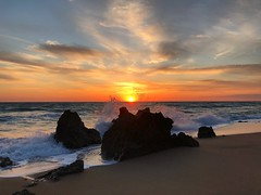 Beach Rocks Sunset (Marc Sayce) Tags: rocks splash coast sunset playa beach calas roche conil frontera costa luz andalucía andalusia spain may 2018 notrealtags bikini speedo topless naked nude milf