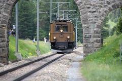 Rhätische Bahn RhB Lokomotive Ge 2/4 222 ( Hersteller BBC und SLM Nr. 2307 als Nr. 204 bis Umbau 1946 - Baujahr 1912 - Elektrolokomotive Triebfahrzeug Stangenantrieb ) bei Pontresina im Engadin im Kanton Graubünden - Grischun der Schweiz (chrchr_75) Tags: albumzzz201806juni juni 2018 hurni christoph schweiz suisse switzerland svizzera suissa swiss chrchr chrchr75 chrigu chriguhurni chriguhurnibluemailch albumbahnenderschweiz albumbahnenderschweiz20180106schweizer bahnen bahn eisenbahn train treno zug fest eisenbahnfest festival 10 jahre unesco welterbe