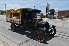 Wagons For Warriors - Route 66 (Adventurer Dustin Holmes) Tags: 2018 parade wagonsforwarriors route66 missouri vehicle truck pickuptruck antique old vintage flatbed ford model t wagon car transportation