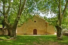 Eglise St Barthèlemy-Vaugines-Vaucluse (Jean et Coco) Tags: eglise chapelle luberon vaucluse provence france sud paca