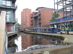 Canals Around Birmingham (metrogogo) Tags: canalsaroundbirmingham canals waterfall overflow birmingham