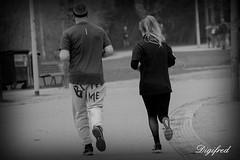 Om in te bijten? (Digifred.nl) Tags: digifred 2018 nikond500 amsterdam nederland netherlands holland iamsterdam straat street city grachten streetphotography toeristen tourists blackwhite blackandwhite monochrome boots shoes candid vondelpark girl meisje bijt bite rennen hardlopen run running sport