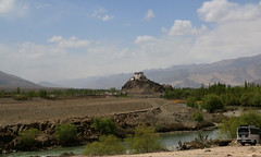Stakna Gompa, Ladakh (TravelKees) Tags: ladakh hemisgompa river monastery indusriver car