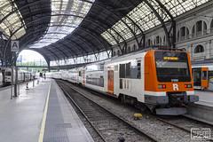 9-450-015-3 (Escursso) Tags: estacio 450 adif barcelona renfe rodalies railway station train tren catalunya spain