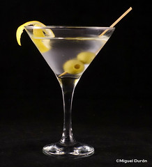 Feliz Martini Day (mike828 - Miguel Duran) Tags: bebida drink cocktail coctel dry martini copa glass day international world sony rx100 m4 mk4 iv