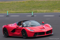 Ferrari LaFerrari (mistermacrophotos) Tags: sjællandsringen roskilde børnecancerfonden supercars hypercars race raceday for rich red expensive dream car racetrack trackday track day rosso