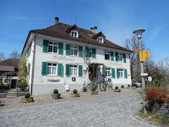Gasthaus Hirschen (sander_sloots) Tags: gasthaus hirschen gasthof kyburg zwitserland switzerland building haus swiss house lamppost lantaarnpaal strasenlaterne