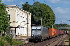 Friedrichsruh Metrans 386 019-4 Container (Wolfgang Schrade) Tags: metrans br186 3860194 containerzug container kbs100 friedrichsruh zug güterzug eisenbahn