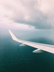 (maycambiasso98) Tags: ala cloudy light blue cloud friends back welcome air aireuropa fiumincino roma italia italy españa spain europa europe tour trip travel volar agua water plane avion fly