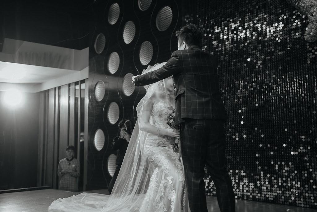 台中婚紗拍攝,台中婚攝,找婚攝,婚攝ED,婚攝推薦,意識影像,婚紗攝影,台中市婚禮拍攝,蔡艾迪,中部婚禮攝影,婚紗,edstudio,雅園新潮,