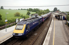 43164 Castle Cary 29/05/2018 (Flash_3939) Tags: 43164 43165 class43 hst highspeedtrain gwr greatwesternrailway firstgreatwestern dynamiclines livery 1c77 castlecary clc station foss freedomofsevernsolent rail railway train uk may 2018