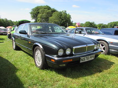 Jaguar XJ6 N576PPE (Andrew 2.8i) Tags: classicsatscolton scoltonmanor haverfordwest pembrokeshire car cars classic classics show british executive luxury saloon sedan x300 xj xj6 jaguar