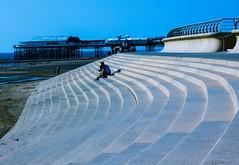 Une belle journée à Blackpool (10) (dominiquita52) Tags: blackpool beach plage stairs marches sunset bluehour pier