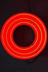 O (pni) Tags: neon sign red hostel oddson reykjavik is18 iceland ísland pekkanikrus skrubu pni circle