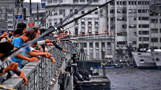 Istanbul, Galata Brigde fishing