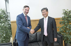 Martin Dulig meets with Young Tae Kim