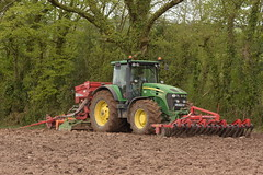 John Deere 7930 Tractor with a HE-VA Front Roller 400, an Amazone Power Harrow & Kverneland Accord S-Drill Seed Drill (Shane Casey CK25) Tags: john deere 7930 tractor heva front roller 400 amazone power harrow kverneland accord sdrill seed drill jd green onepass one pass spring barley rathcormac traktor trekker traktori tracteur trator ciągnik sow sowing set setting drilling tillage till tilling plant planting crop crops cereal cereals county cork ireland irish farm farmer farming agri agriculture contractor field ground soil dirt earth dust work working horse horsepower hp pull pulling machine machinery grow growing nikon d7200