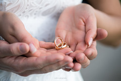 Wedding rings (eschborn.photography) Tags: eschborn eschbornphotography rings wedding eheringe hands hände finger detail hochzeit day shooting couple bride groom